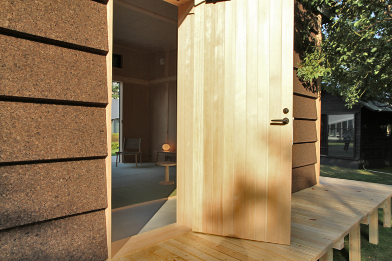 new-cork-hut-jasper-morrison-toyko-midtown-design-week-designboom-08